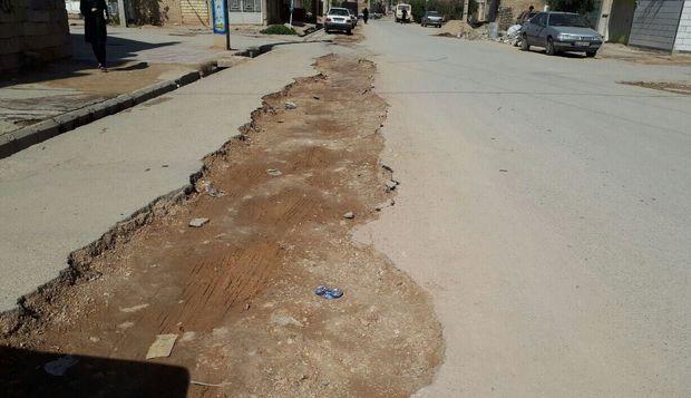 وضعیت نامناسب آسفالت کوچه ها و خیابان های خرم آباد