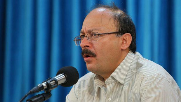 جزییات اخراج بیژن عبدالکریمی از دانشگاه آزاد
