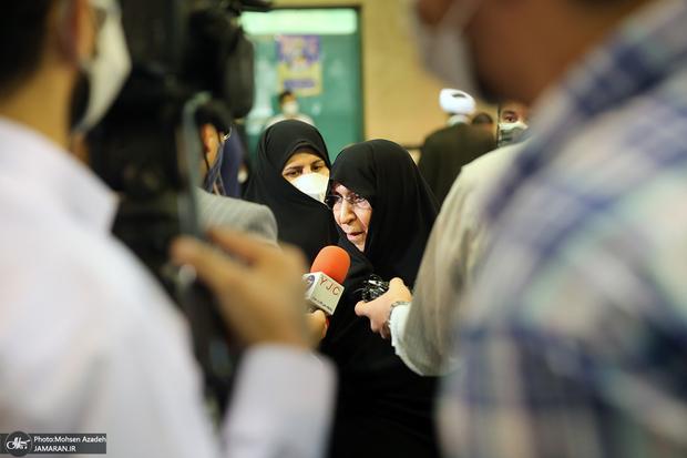 دختر امام خمینی: رئیس جمهور آینده مردم را راضی نگه دارد