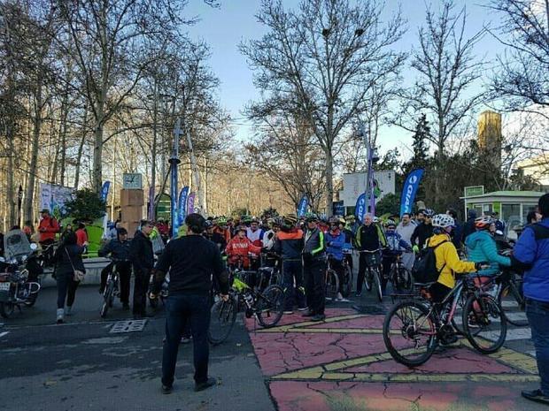 همایش دوچرخه سواری در منطقه 3 تهران برگزار شد