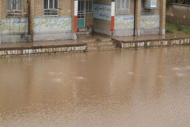 بازگشایی مدارس مناطق سیل زده باتوجه با شرایط هر منطقه است