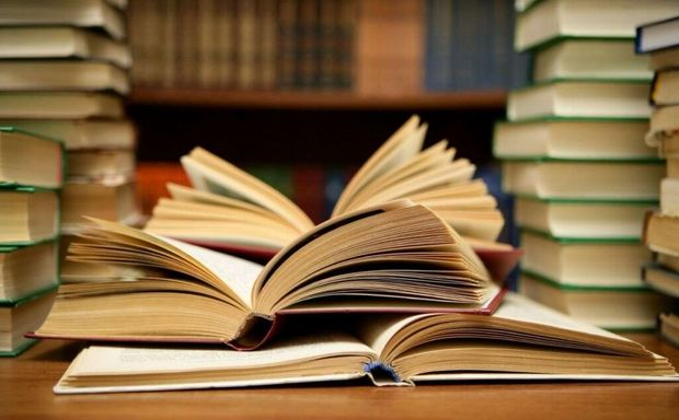 مجموعه کتاب «۷۲ آموزه عاشورایی» در شهرری رونمایی شد