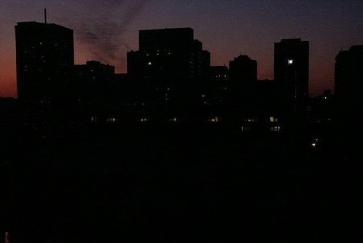 چرا دیشب برق در تهران و کرج قطع شد؟