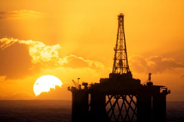نفت 100 دلاری می شود؟