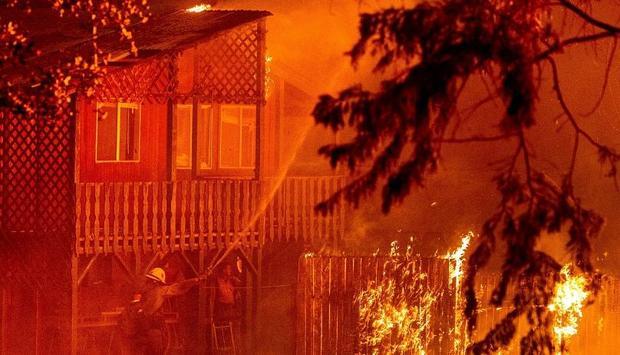 غرب آمریکا در آتش می سوزد؛ گسترش آتش سوزی بزرگ در کالیفرنیا