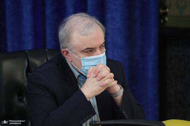 ابتلای وزیر بهداشت به کرونا شایعه است
