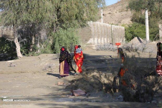 رییس اورژانس کشور : راههای ارتباطی با روستاها درمناطق سیلزده همچنان بسته است