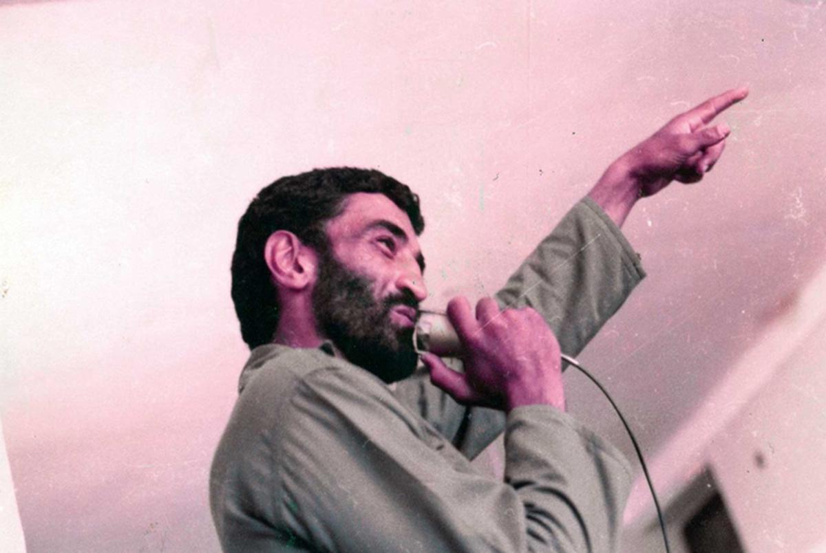 حاج احمد متوسلیان به هنگام اسارت، خود را چه کسی معرفی کرد؟