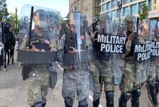 ابتلای شماری از نیروهای گارد ملی آمریکا به کرونا در کانون اعتراضات