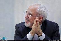 ظریف: رابطهام با رهبر انقلاب، مرید و مرادی است/ ارتباط بسیار نزدیکی با سردار سلیمانی دارم/ لاتاری نام فیلم است!؟