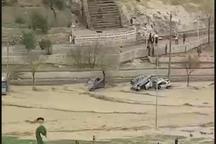 واژگونی چندین خودرو در پی بارش شدید باران در شیراز