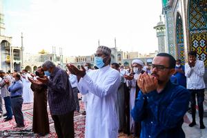نماز عید سعید قربان در حرم مطهر حضرت معصومه(س)
