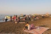 سونامی مسافران در روزهای کرونایی مازندران/ حضور نگران کننده مردم در سواحل و دریای خزر