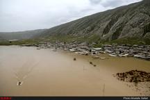"""نارضایتی سیلزدگان از """"توزیع نامناسب اقلام ضروری""""  برخی روستاها هنوز هیچ کمکی دریافت نکردند  عملی شدن تخلیه آب از شهرها"""