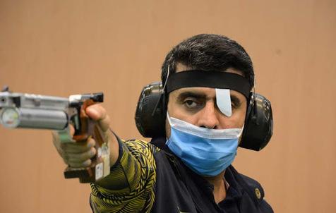 قهرمانی فروغی و حسین باقری در رقابتهای آزاد تفنگ و تپانچه بادی