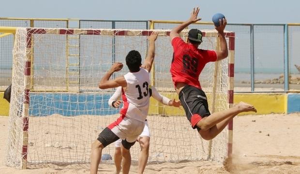 2 بوشهری مسابقات هندبال ساحلی آسیا را داوری می کنند