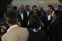 وزیر بهداشت برای افتتاح 40 پروژه بهداشتی وارد کرمانشاه شد