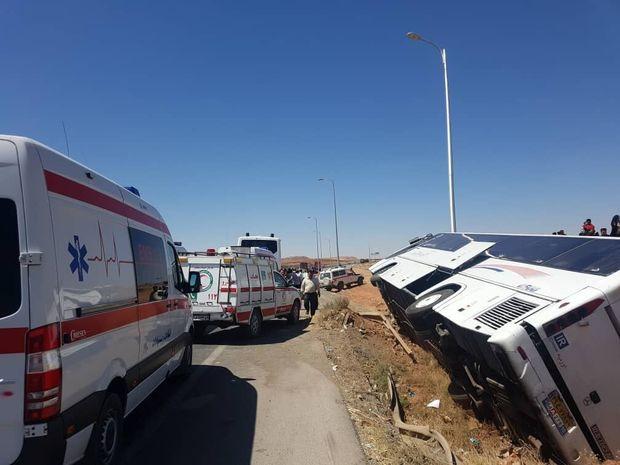 ۲۶ نفر بر اثر واژگونی اتوبوس در جاده بافق - کوهبنان زخمی شدند