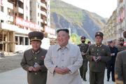 عکس/بازدید رهبر کره شمالی از مناطق آسیب دیده