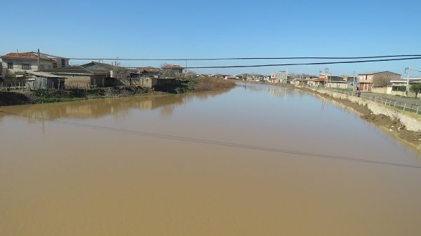 پرآبی گرگانرود برای حاشیه نشینان این رودخانه مشکل ساز شد