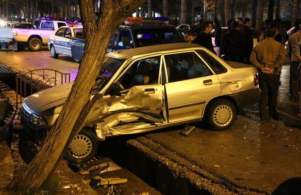کورس بین ۲ خودروی سواری در شهر زنجان یک کشته برجا گذاشت