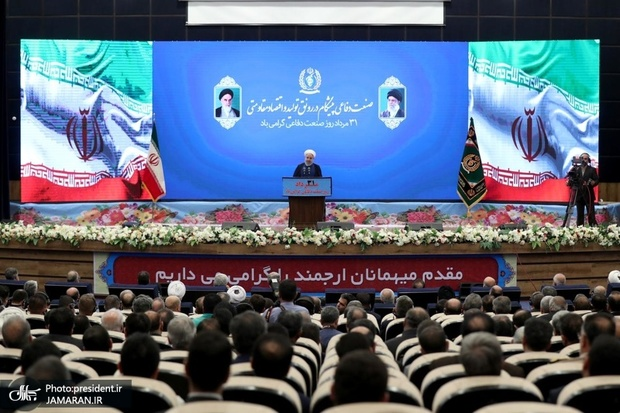 روحانی: مبنای ما رای مردم است/ مشکل ما با آمریکا استراتژیک است