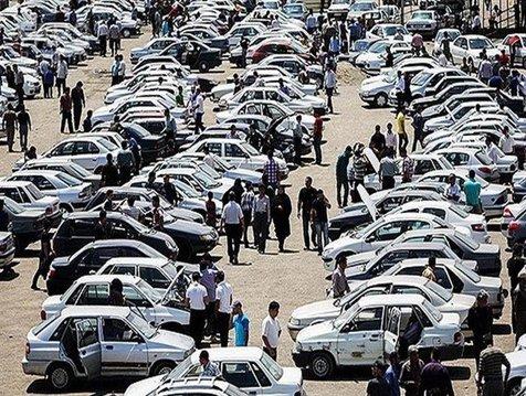 اگر مردم خودرو نخرند، دست دلال ها کوتاه می شود/ تاثیر خریداران کاذب بر بازار قیمت