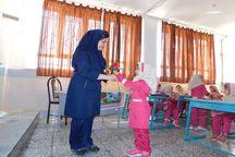 مدارس اصفهان به روی ۸۹۰ هزار دانش آموز گشوده شد