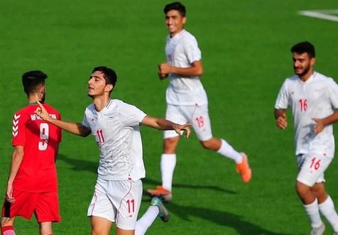 حضور ساکت و مربیان پرسپولیس در دیدار جوانان ایران مقابل امارات