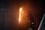چهار نفر از میان شعلههای آتش در مشهد نجات یافتند