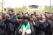 نماز جماعت ظهر عاشورا در مهریز برگزار شد