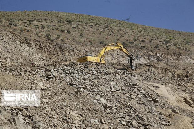 گردنه صلوات آباد محور سنندج - همدان مسدود شد