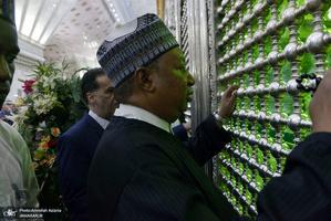 ادای احترام دبیرکل اوپک نسبت به مقام شامخ امام خمینی(س)