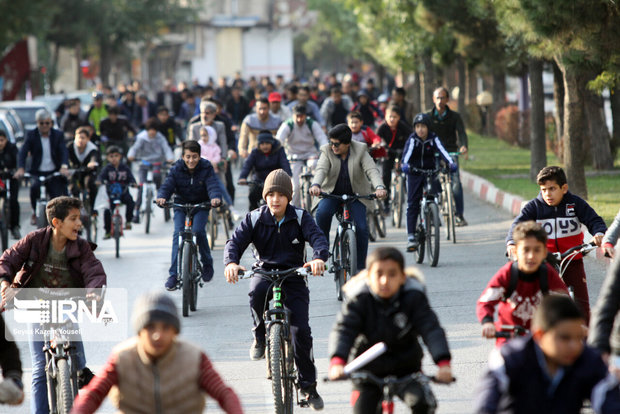دوچرخهسواری شهرداران مناطق ۹ و ۱۰ با شهرداران مدرسه