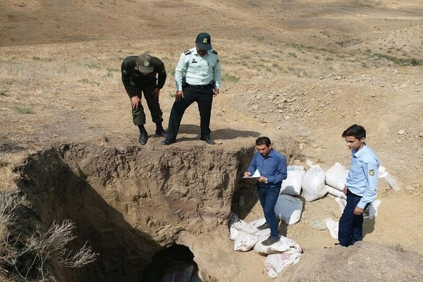 انهدام باند حفاری غیرمجاز در بوئین زهرا