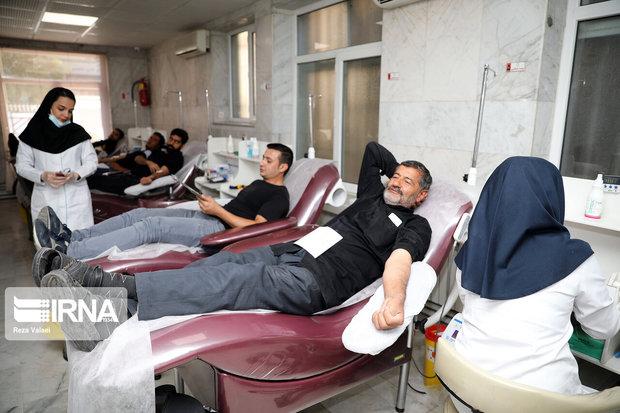 عزاداران زنجانی ۷۰۴ واحد خون اهدا کردند