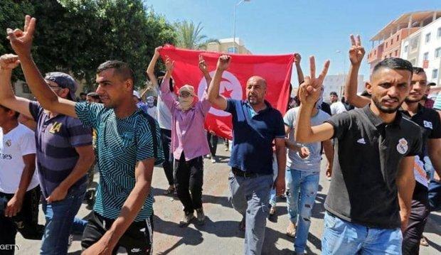 هواداران و مخالفان رئیس جمهور تونس به خیابان ها ریختند