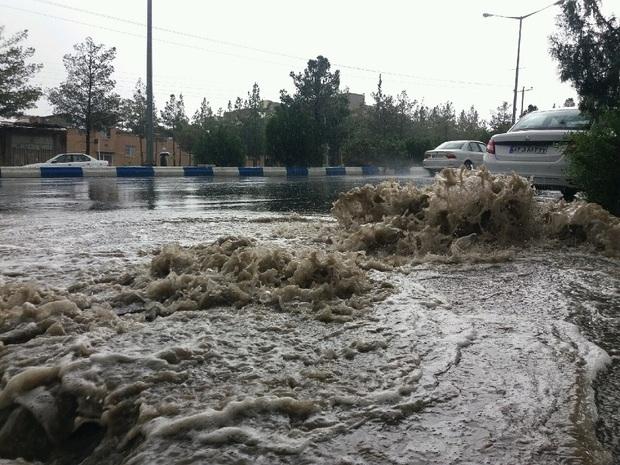 بارش رگباری در بیرجند روان آب به راه انداخت