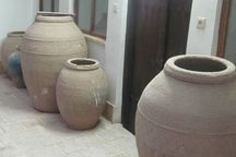 خمره سفالی دوره ساسانی به موزه اراک اهدا شد